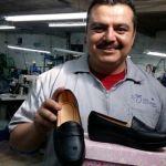 Armando exporta calzado de León a Guatemala