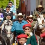 Celebran desfile cívico-deportivo