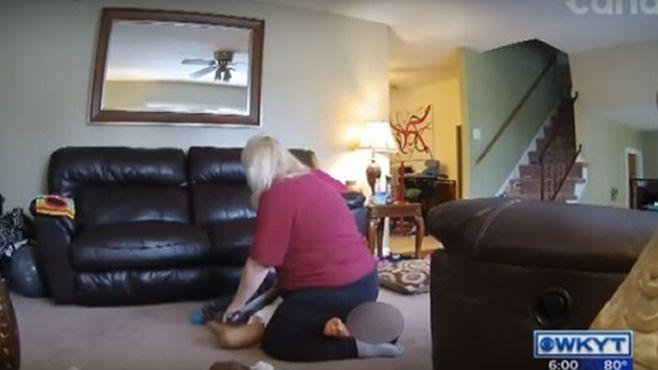 Descubren a niñera maltratando a pequeño con síndrome de Down
