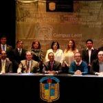 Toman protesta a nueve directores de los departamentos del Campus León