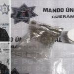 Detienen a dos personas con 11 dosis de mariguana