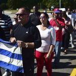 Cientos hacen fila para rendir tributo a Fidel Castro en La Habana