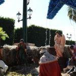 Adornan Cuerámaro con decoraciones navideñas