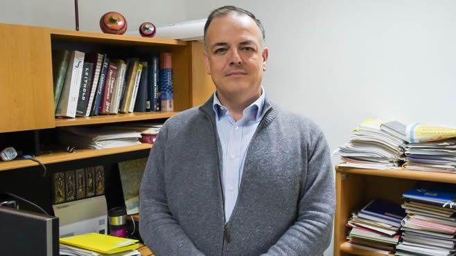 Photo of Galardonan a físico de la UG por sus aportaciones en el campo de la simulación molecular