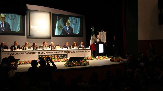Photo of Acompaña Rector General al Presidente del TCA en su informe anual de labores