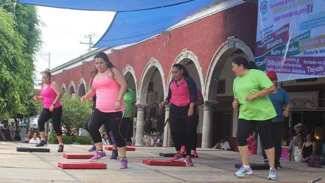 Photo of Larisa continúa efectuando su compromiso con las mujeres neopoblanas