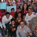 """La Asociación Civil """"El Futuro está en nuestras  Manos"""" y CNC abrigan a familias Irapuatenses"""