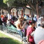 Reciben familias neopoblanas apoyos Prospera 2017