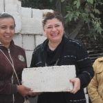 Entrega alcaldesa 1590 blocks de cemento, en beneficio de los neopoblanos