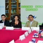 Maru Carreño de Márquez Preside Sesión del Consejo de Familia