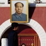 """Cesan a funcionario por llamar """"diablo"""" a Mao Zedong"""