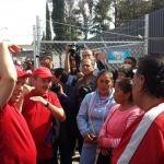 Familiares de pacientes del HG se quejan ante Miguel Márquez