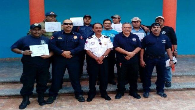 Photo of Certifican a bomberos en combate de incendios forestales