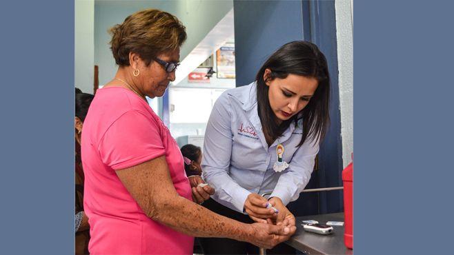 Photo of Los pacientes con diabetes no solo necesitan insulina; la dieta y activación física son fudamentales