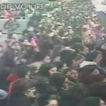 Capta cámara momento en que mujer se arroja a las vías del metro en CDMX