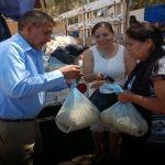 DIF Municipal realiza entrega de despensas en la comunidad El Mármol