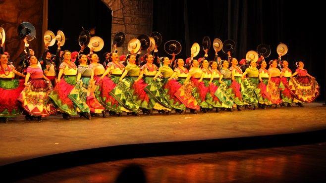 Photo of Ballet Folklórico de la Universidad de Guanajuato conquista Bellas Artes
