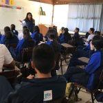 Orientan a estudiantes sobre el uso correcto de las redes sociales