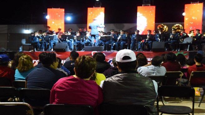 Photo of Vibran irapuatenses con la Banda de Música de la XII Región Militar