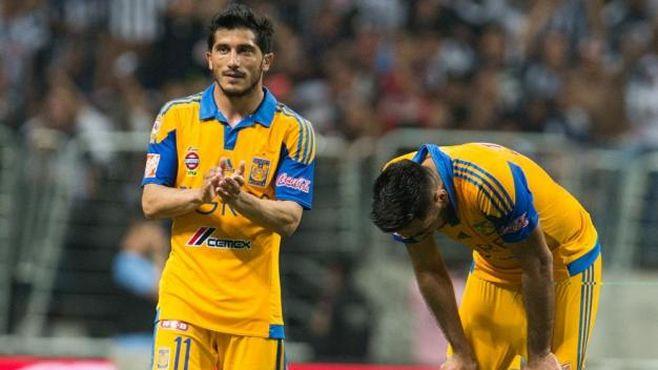 """Photo of """"Juninho"""", """"Chilindrina"""" y """"Palmera"""" son baja por lesión en Tigres"""
