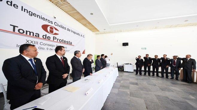 Photo of Alcalde de Irapuato toma protesta a nueva directiva del Colegio de Ingenieros