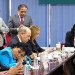 ¡Otra vez!, exhiben foto de Carmen Salinas dormida en reunión de trabajo