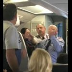 Suspenden a empleado de American Airlines por agredir a pasajera argentina