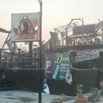 """Incendia grupo armado antro """"La Malkerida"""" en Ixtapa; otros seis establecimientos sufrieron daños"""