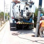 Dan mantenimiento a fosa de la comunidad de Santa Rita