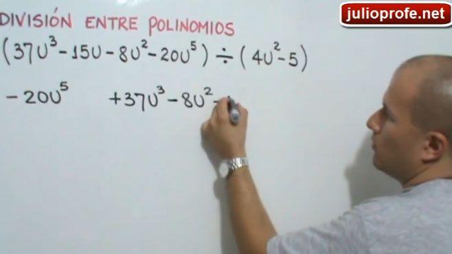 """Photo of El maestro de matemáticas y física que se hizo """"youtuber"""""""