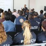Capacitan a policías sobre sus derechos y obligaciones