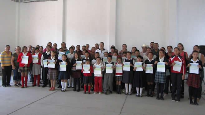Photo of Entregan Becas Estímulos a la Educación Básica en Huanímaro