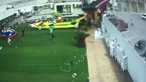 inflable-volador.jpg