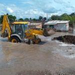 Realiza Obra Pública trabajos de desazolve y ajuste de bordos a comunidades afectadas por inundaciones