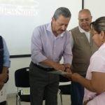 "Entregan apoyos a beneficiarios de ""Seguros de Vida para Jefas de Familia"""
