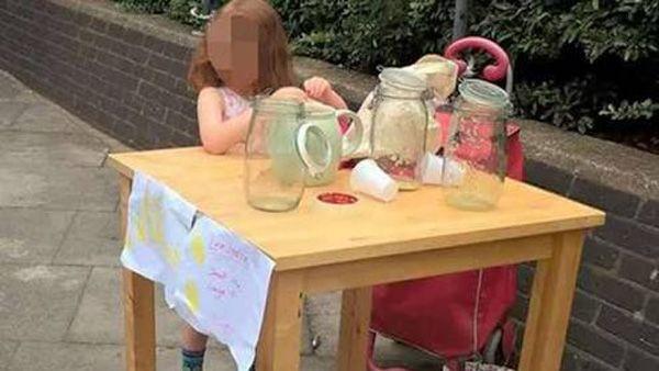 Photo of Multan a niña de 5 años por vender limonadas sin licencia