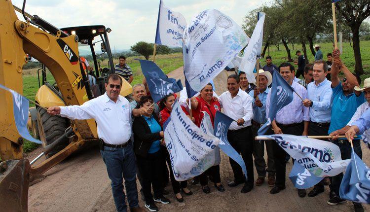 Photo of Migrantes impulsan obras en Pénjamo; 13 millones en Zapote de Cestau
