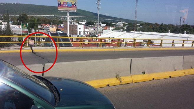 Photo of Aparecen enormes grietas en Puente Siglo XXI
