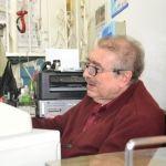 La voz de Javier Cendejas que promociona zapatos desde hace más de 40 años