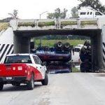 Cae pipa de desnivel puente