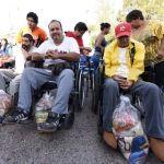 Entrega alcalde despensas a adultos mayores por el Día del Abuelo