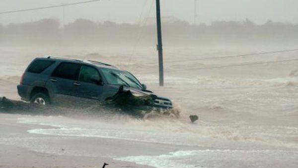 Photo of Inundaciones y lluvias torrenciales, los efectos de Harvey en Texas