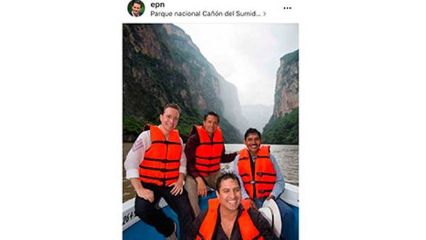 Photo of … y Peña Nieto borra de Instagram su foto con Julión Álvarez