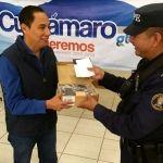 Equipan a elementos de seguridad de Cuerámaro