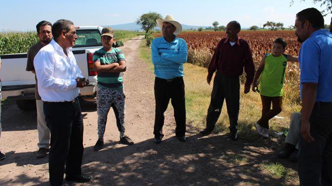 Photo of Alcalde García López realiza supervisión de obra en caminos rurales