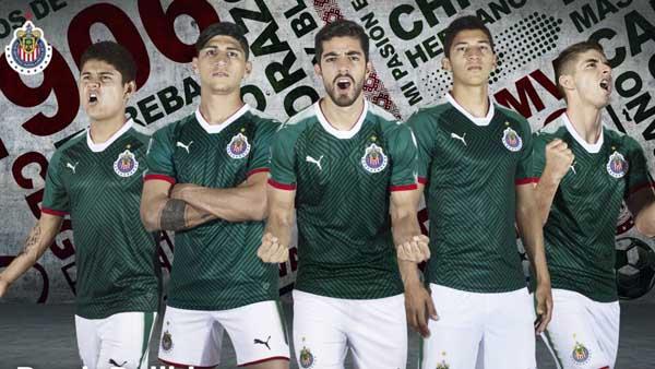 Molesta a Adidas que Puma diseñe playera similar a su marca 77cffdedbf868