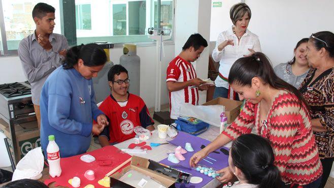 Photo of Trabaja DIF talleres con grupo de discapacidad