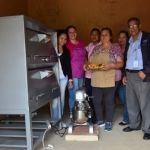 Entregan herramientas de trabajo para emprendedora de Cuerámaro