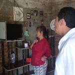 Moy Cortéz visita a beneficiarios de Paneles Solares