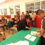 Entrega DIF becas PREVERP a estudiantes neopoblanos